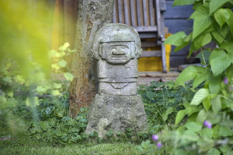 Regengott von San Agustín - Sandstein © Katharina Hansen-Gluschitz